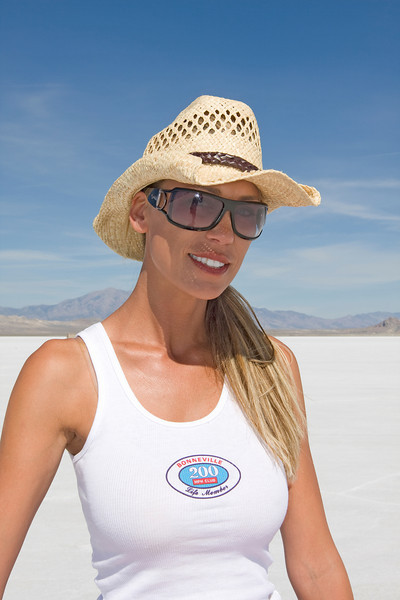 Leslie Porterfield. The first woman over 200 mph on the Bonneville Salt Flats. I believe her top speed was around 237 mph.