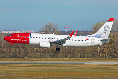 Norwegian Air Shuttle Boeing 737-8JP LN-DYZ 11-14-18