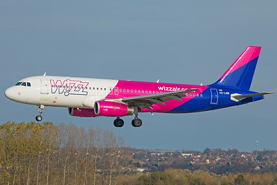 Wizz Air Airbus A320-232 HA-LWM 11-14-18