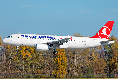 Turkish Airlines Airbus A320-232 TC-JUI 11-14-18