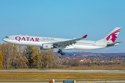 Qatar Airways Airbus A330-302 A7-AEE 11-14-18
