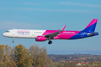 Wizz Air Airbus A321-231 HA-LXN 11-14-18