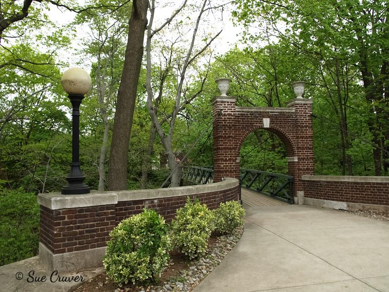 Gibbons Bridge