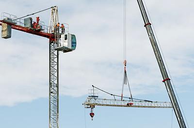 Construction crane removal. Update ed307. Gosford. April 9, 2019.