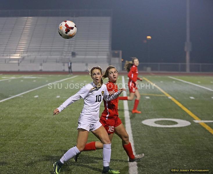 Soccer_girls_1