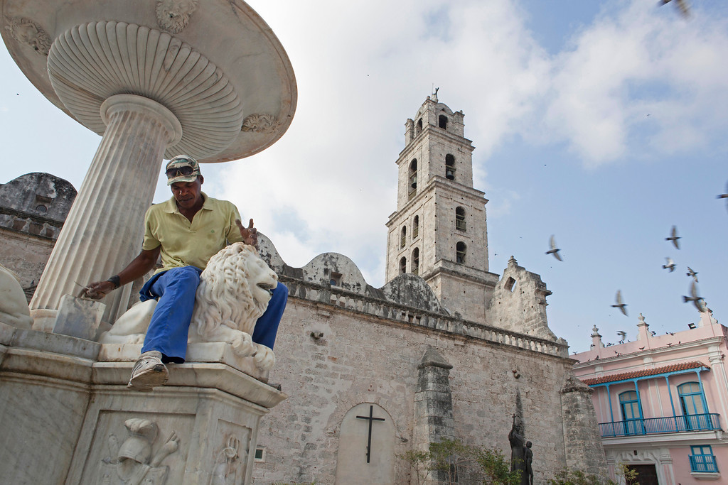 Fountain Maintenance in Cuba