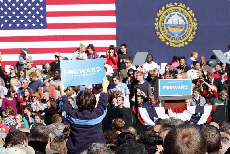 President Barack Obama speaks at a campaign event at Veteran's Memorial Park, Thursday, Oct. 18, 2012, in Manchester, N.H. ©Hyunah Jang