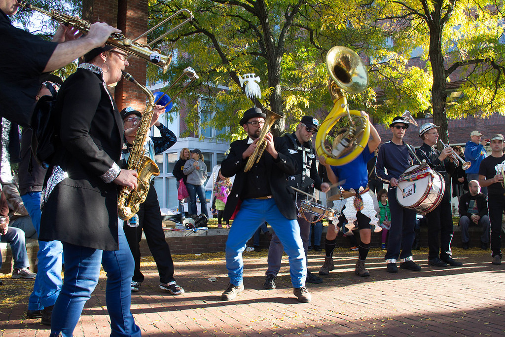 Brass Messengers in Eliot Triangle