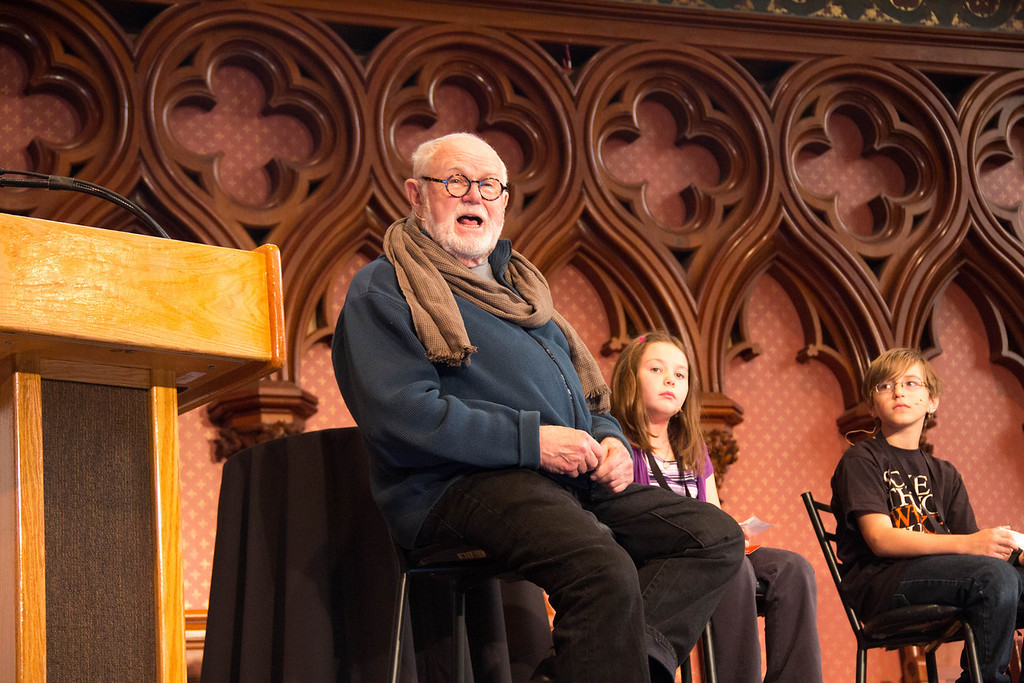 Tomie dePaola and two kid panelists