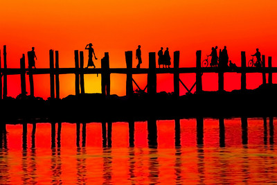 SUNSET AT U BEINS BRIDGE - AMARAPURA
