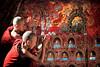 Novice monks, praying, Shwe Yan Pyay Monastery