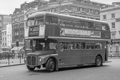 CUV292C London Transport RML2292