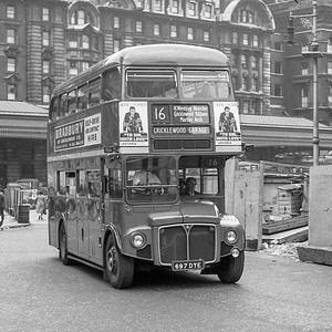 697DYE London Transport RM1697