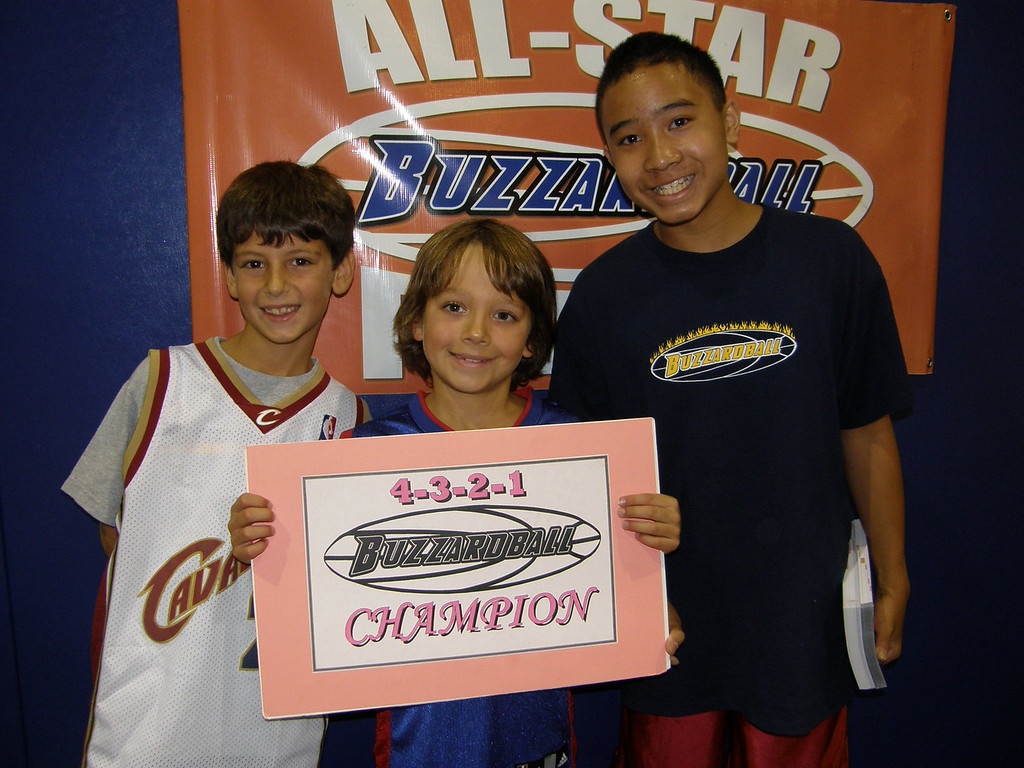 4TH-8TH GRADE CO-CHAMPS: ATLANTA HAWKS --TYLER SUNG REGISTERED A 6-POINT FINISH THAT HELPED THE HAWKS TO A TIE WITH THE BOBCATS