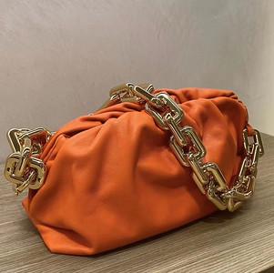 BV the chain pouch orange