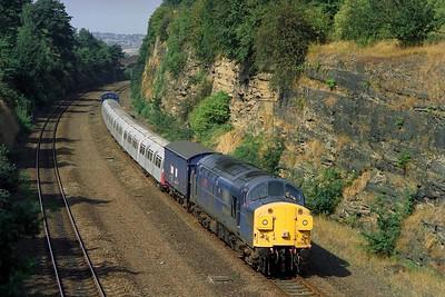 Class 37 No 37055 in Horbury Cutting