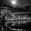 Canal St-Martin et la lune en N/B ... à Paris