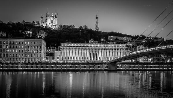 Reflection on the Rhône in B/W