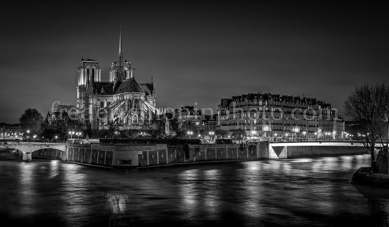 Notre Dame de Paris in B/W
