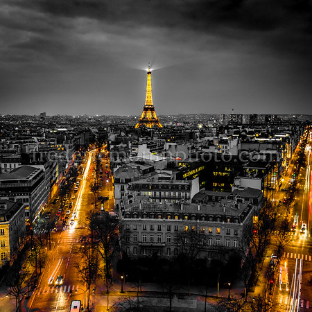 Eiffel Tower in B/W and yellow ...