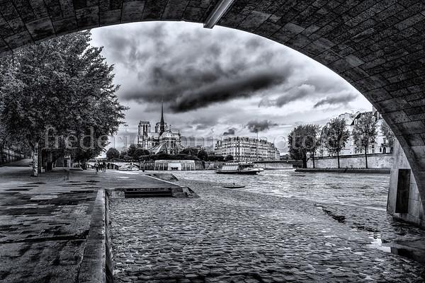 Notre Dame et l'île de la cité ...