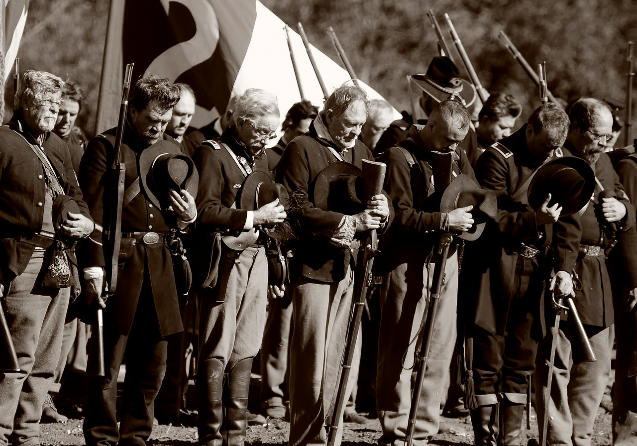Civil War Reenactors remembering the fallen