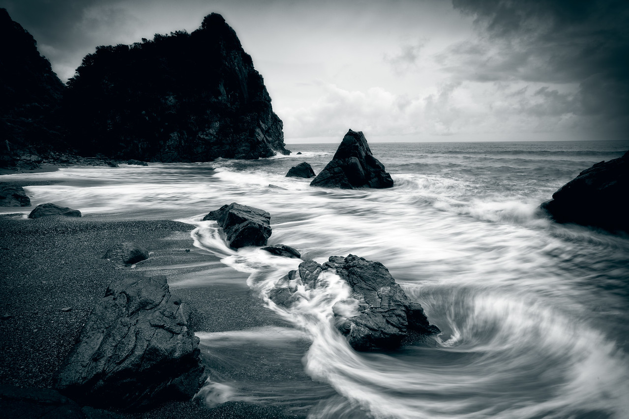 A duotone on the high tide, West Coast
