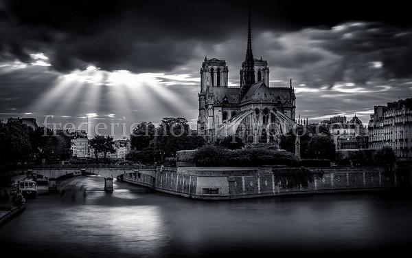 Lights on Notre Dame de Paris !!!