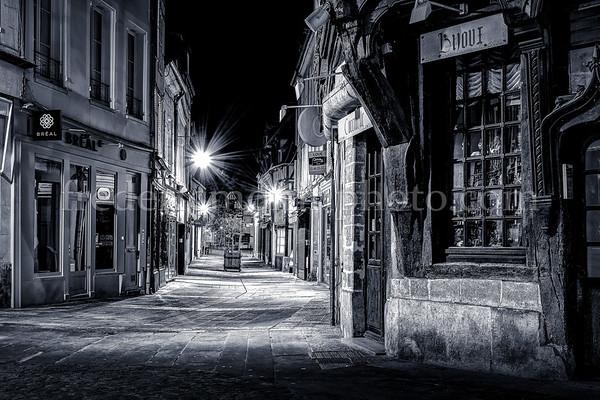 Compiègne by night in B/W ...