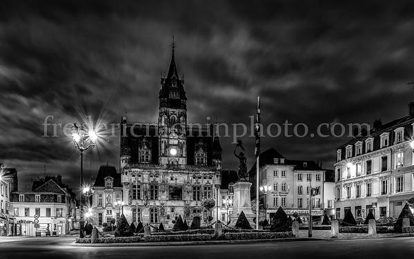 Place de l'hôtel de ville de Compiègne