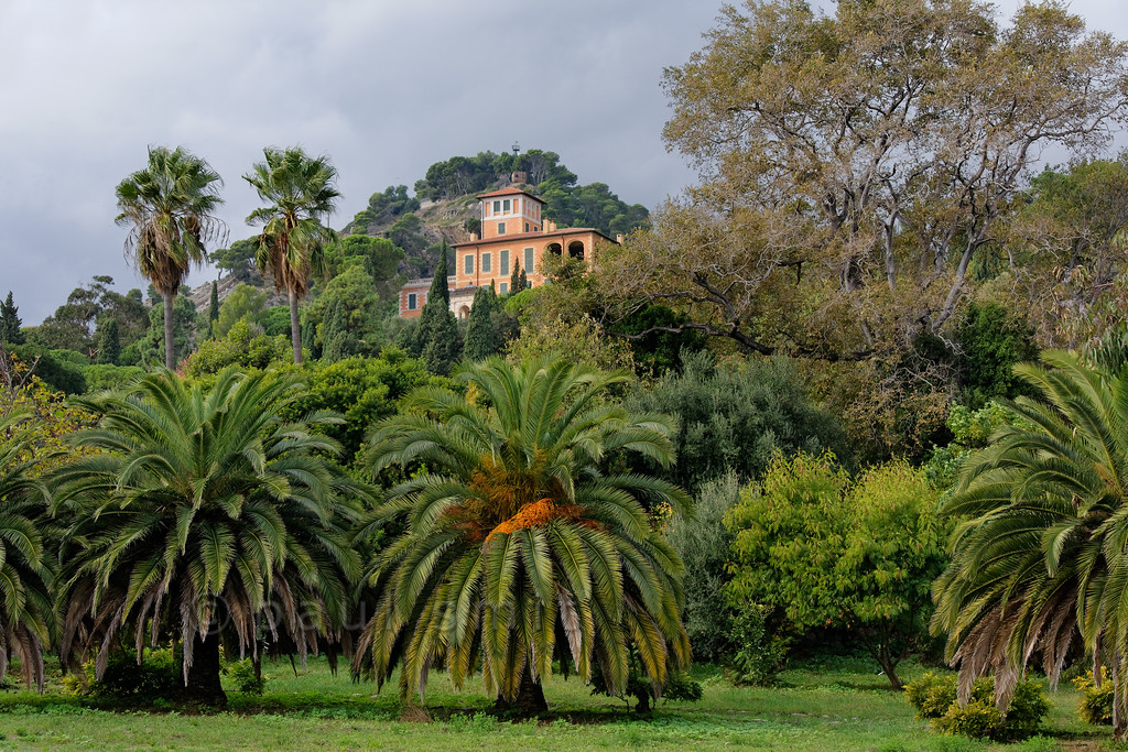 [ITALY.LIGURIA 28997] 'Villa in Hanbury Gardens'.'  The Hanbury villa in the Hanbury Botanical Gardens, located on the Côte d'Azur near Ventimiglia. Photo Paul Smit.