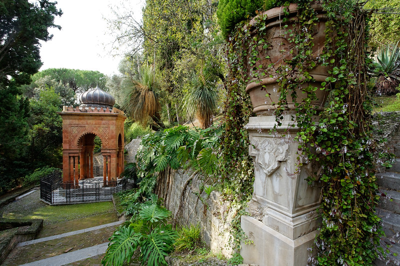 [ITALY.LIGURIA 28979] 'Moorish Kiosk in Hanbury Gardens.'  The Moorish Kiosk in the Hanbury Botanical Gardens is an orientalized mausoleum built in 1886 by the architect Pio Soli. It holds the ashes of Thomas Hanbury, founder of the Hanbury Gardens on the Côte d'Azur near Ventimiglia. Photo Paul Smit.