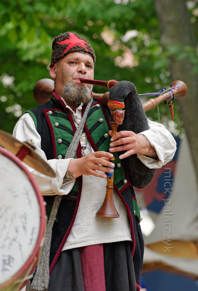 Bagpiper at historical market in Thuringia.