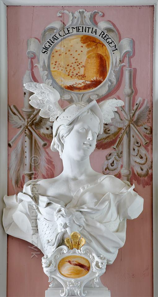 Hermes in Baroque ballroom of Schloss Tenneberg.