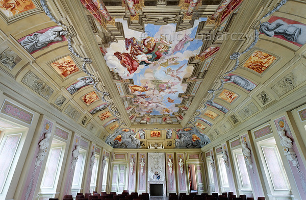 Baroque ballroom of Schloss Tenneberg.