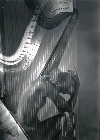 Horst: Lisa with Harp 1939
