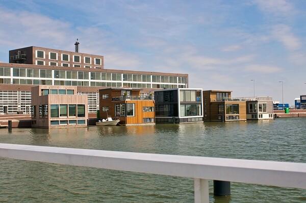 Holland Floating Urbanization_Selected (8 images)