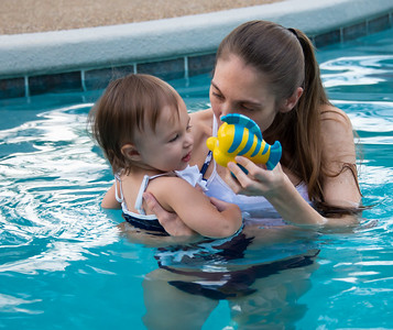 Ava Swimming-5.jpg