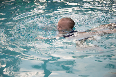Ava Swimming-22.jpg