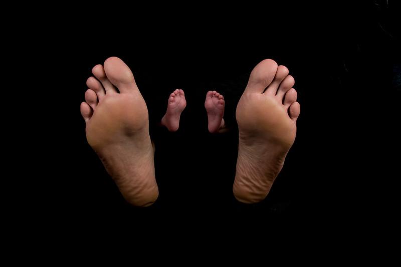 Gavin & daddy's feet