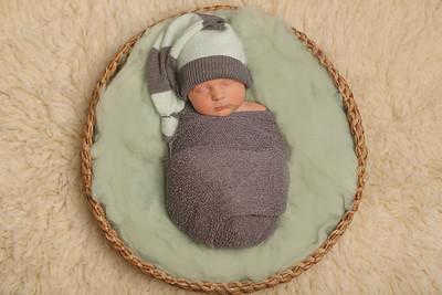 Malcom Luechtefeld.- Newborn
