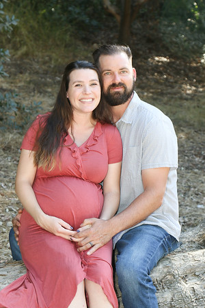 Steven and Ashlee Maternity no 2-3