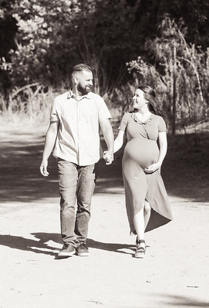 Steven and Ashlee Maternity no 2-4