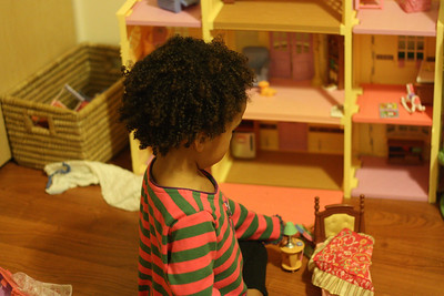 Esther's new dollhouse, a fantastic hand me down from Catherine!