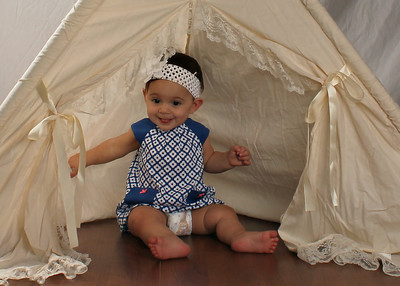 Riley's 9 month Pictures