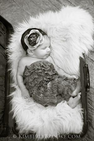 Lilah newborn