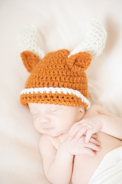 Brown_Newborn_11_13088-Edit