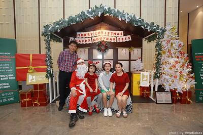 BachDangComplex-ChristmasPhotobooth-Chup-hinh-in-anh-lay-lien-Giang-sinh-tai-Da-Nang-WefieBox-Photobooth-Vietnam-004