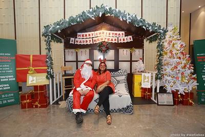 BachDangComplex-ChristmasPhotobooth-Chup-hinh-in-anh-lay-lien-Giang-sinh-tai-Da-Nang-WefieBox-Photobooth-Vietnam-009