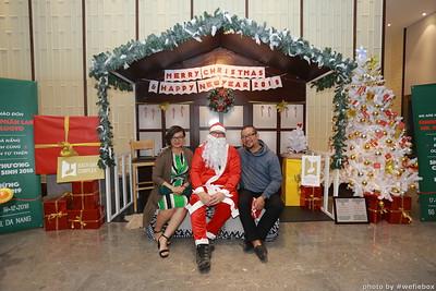 BachDangComplex-ChristmasPhotobooth-Chup-hinh-in-anh-lay-lien-Giang-sinh-tai-Da-Nang-WefieBox-Photobooth-Vietnam-012